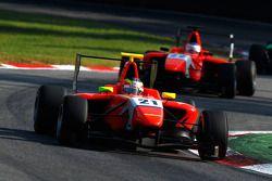 Miki Monras leads Leonardo Cordeiro