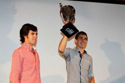Robert Wickens receives the trophy for 2rd overall in the Championship from Sergio Perez