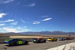Les voitures du groupe 3 attendent de se qualifier