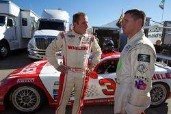 Eric Curran, poleman GT, avec Andy Lally