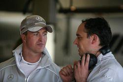 Ralf Schumacher, Team HWA AMG Mercedes, avec son ingénieur