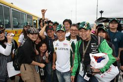 Takuma Sato, KV Racing Technology with fans
