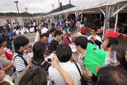 Hideki Mutoh, Newman/Haas/Lanigan Racing signs autographs