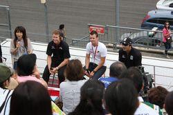 Ryan Briscoe, Team Penske, Dan Wheldon, Panther Racing and Tony Kanaan, Andretti Autosport meet fans