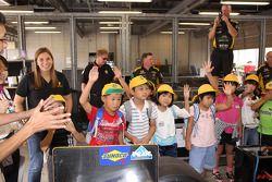 Simona De Silvestro, HVM Racing with fans