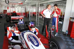 Jonathan Palmer, PDG MotorSport Vision, avec son fils Jolyon