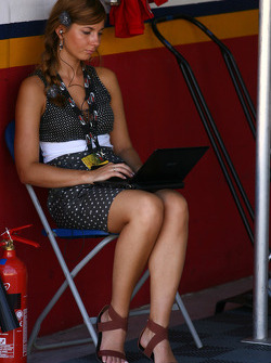 Svetlana, l'assistante RP d'Ivan Samarin