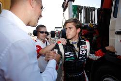 Nicola de Marco est félicité pour sa première pole position de la saison