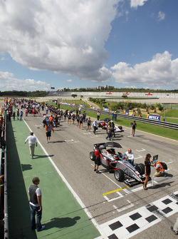 The grid forms for race 1