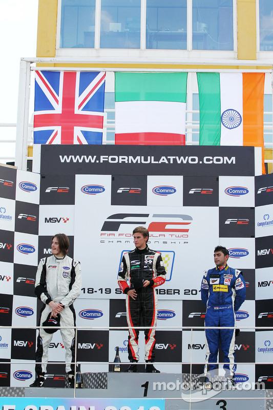Race 1 podium: 1ste Nicola de Marco, 2de Will Bratt, 3de Armaan Ebrahim