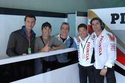 LCR Honda MotoGP manager Lucio Cecchinello met gasten