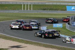 Start: Gary Paffett, Team HWA AMG Mercedes C-Klasse, Oliver Jarvis, Audi Sport Team Abt Audi A4 DTM,