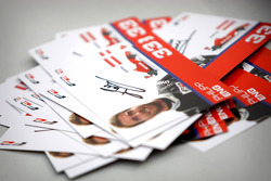 Philipp Eng met kaarten