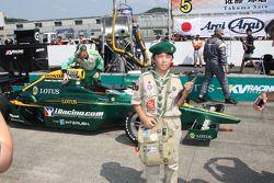 Fan with the car of Takuma Sato, KV Racing Technology