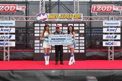 Helio Castroneves, Team Penske receives the pole check