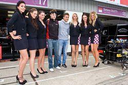 Greg Mansell et Stefano Coletti montrent l'avantage d'être pilotes de course