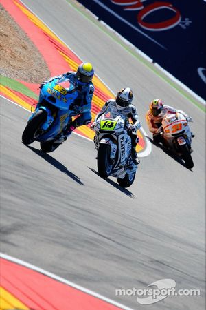 Alvaro Bautista, Rizla Suzuki MotoGP and Randy De Puniet, LCR Honda MotoGP