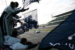#1 Team Peugeot Total Peugeot 908 HDi-FAP: Anthony Davidson, Nicolas Minassian takes the win