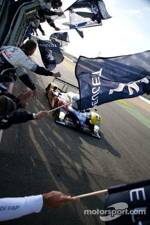 #4 Team Oreca Matmut Peugeot 908 HDi FAP: Nicolas Lapierre, Stéphane Sarrazin takes the LMS 2010 cha