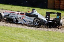 Roberto Merhi, Mücke Motorsport Dallara F308 Mercedes, part en tête-à-queue