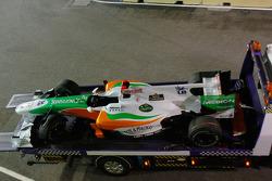 Остановившаяся машина Адриана Сутиля, Force India F1 Team