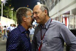 Eddie Jordan y Ron Dennis, Presidente de McLaren y director del equipo