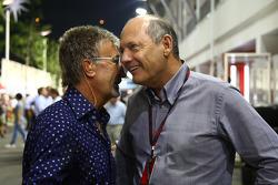 Эдди Джордан, и Рон Деннис, McLaren