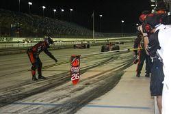 Les mécaniciens Andretti Autosport attend Marco Andretti