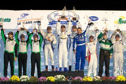 GTC klasse podium: klasse winnaars Henri Richard, Duncan Ende en Andy Lally, tweede plaats Timothy P