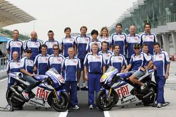 Jorge Lorenzo, Fiat Yamaha Team y Valentino Rossi, Fiat Yamaha Team pose with Fiat Yamaha Team