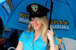 Une adorble mannequin de Rizla Suzuki
