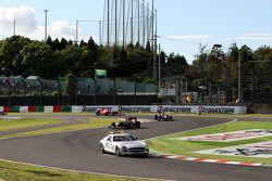 Le Safety car devance Sebastian Vettel, Red Bull Racing