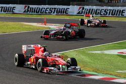 Fernando Alonso, Scuderia Ferrari devance Jenson Button, McLaren Mercedes