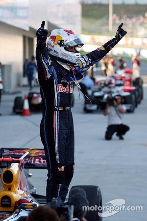 Ganador de la carrera Sebastian Vettel, Red Bull Racing celebra