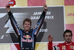 Podio: Podio: ganador de la carrera Sebastian Vettel, Red Bull Racing y tercer lugar Fernando Alonso