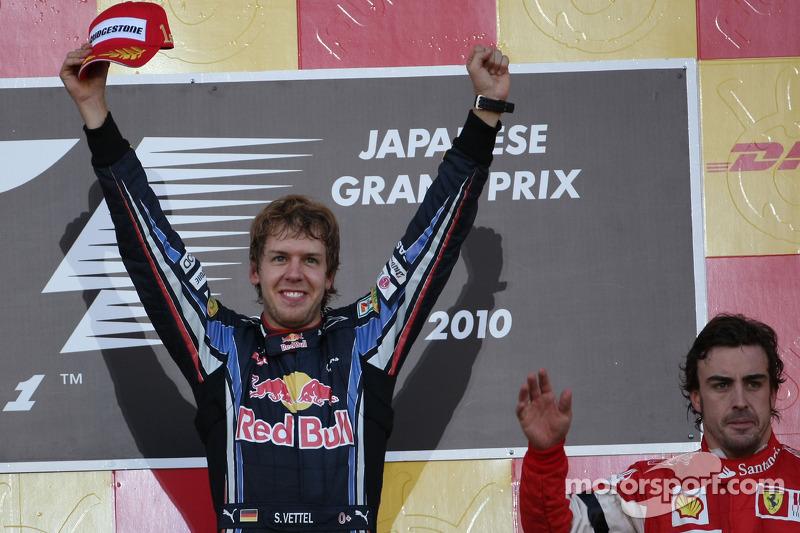 Podio: Podio: ganador de la carrera Sebastian Vettel, Red Bull Racing y tercer lugar Fernando Alonso, Scuderia Ferrari