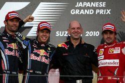 Podio: Podio: ganador de la carrera Sebastian Vettel, Red Bull Racing, segundo lugar Mark Webber, Re