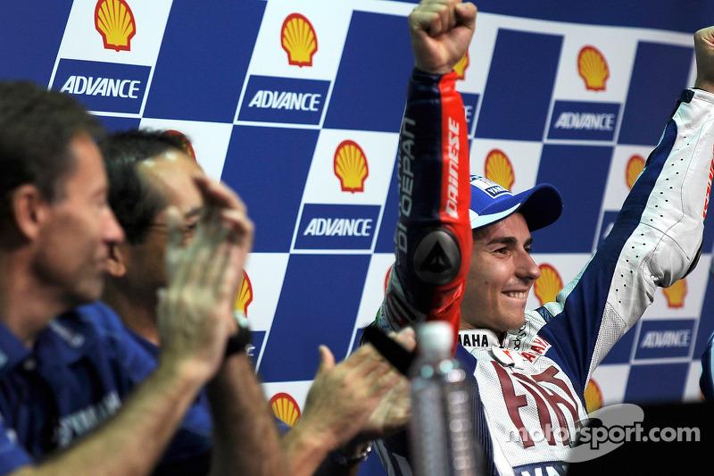 Conferencia de prensa después de la carrera: de 2010 campeón de MotoGP Jorge Lorenzo, Fiat Yamaha Te