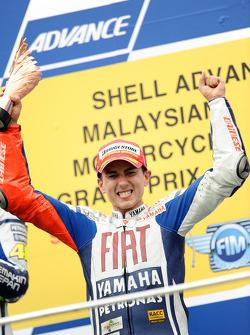 Podio: tercer lugar y Campeón de MotoGP 2010 Jorge Lorenzo, Fiat Yamaha Team