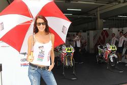 La chica encantadora de LCR Honda MotoGP