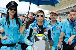 Alvaro Bautista, Rizla Suzuki MotoGP con una buena compañía