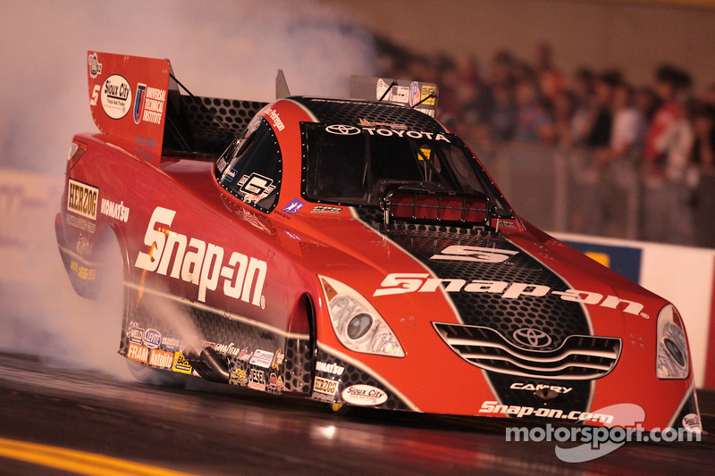 Cruz Pedregon Burnout In 2010 Snap On Toyota Camry Funny Car At Reading