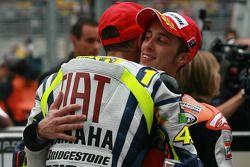 Race winner Valentino Rossi, Fiat Yamaha Team with Andrea Dovizioso, Repsol Honda Team