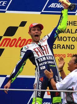 Podio: ganador de la carrera Valentino Rossi, Fiat Yamaha Team