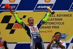 Podium: race winner Valentino Rossi, Fiat Yamaha Team