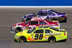 Paul Menard, Richard Petty Motorsports Ford, Clint Bowyer, Richard Childress Racing Chevrolet, Matt