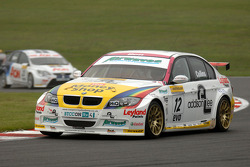 Ben Collins leads Tom Chilton