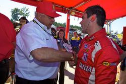GT2 pole winnaar Jaime Melo viert feest met Guiseppe Risi