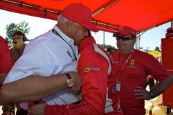 Le poleman en GT2 Jaime Melo fête avec Guiseppe Risi