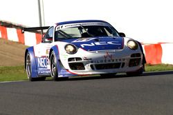 La Porsche N°61 de Paul van Splunteren et Marco Holzer; et la Porsche N°12 d'Armand Furnal et Jérôme Thiry